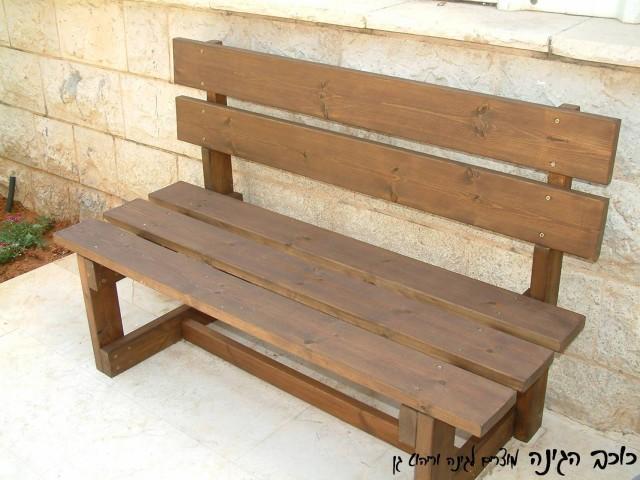 ספסל עץ לגינה דגם אורן