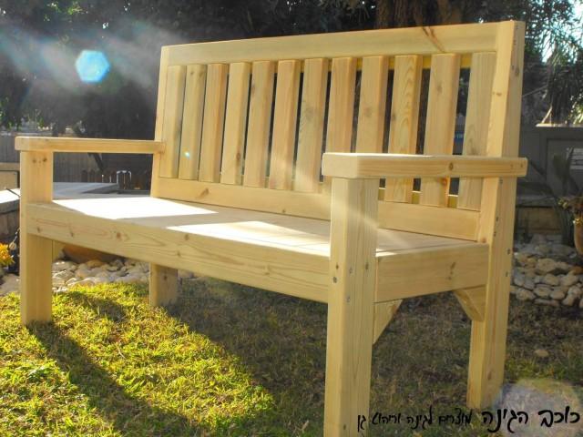 ספסל מעץ לגינה דגם אורי